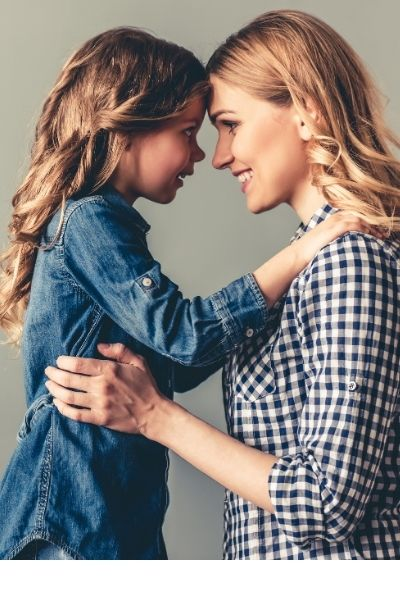 picture of mother and daughter. uplifting strong mom quotes